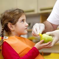 Little girl dental visit